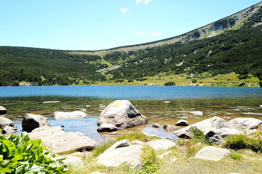 Езерото пред х. Безбог
