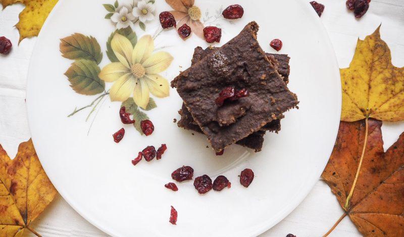 Dark chocolate brownie with cranberries